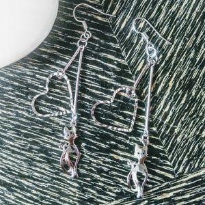 Jewelry - NWT  SILVER METAL KITTY/HEART EARRINGS